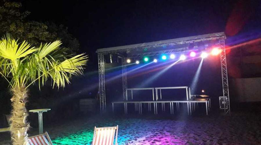 Außenbeleuchtung am Strand